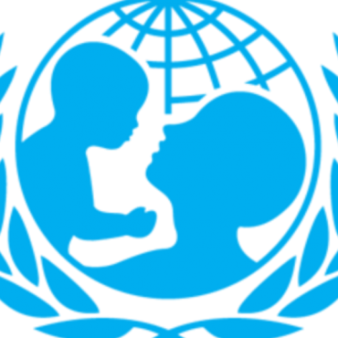 UNICEF destaca riesgos y beneficios del internet