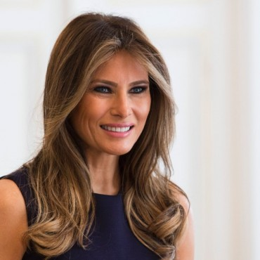 Abogado confirma estatus legal de padres de Melania Trump