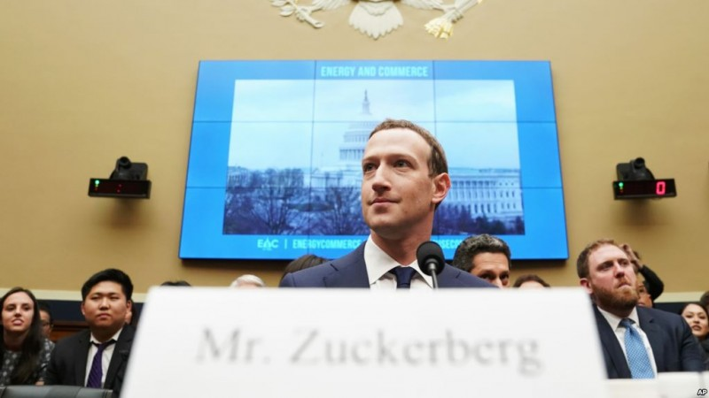 Facebook CEO Mark Zuckerberg testifies before a House Energy and Commerce hearing on Capitol Hill in Washington, Wednesday, April 11, 2018, about the use of Facebook data to target American voters in the 2016 election and data privacy. (AP Photo/Andrew Harnik)