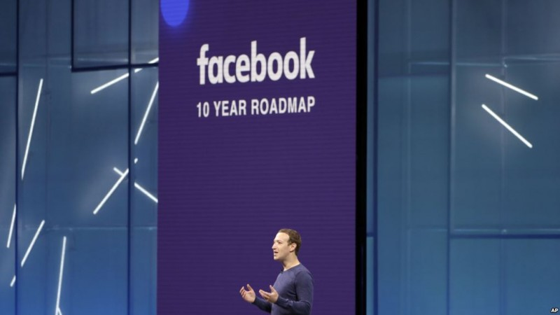 Facebook CEO Mark Zuckerberg makes the keynote speech at F8, Facebook's developer conference, Tuesday, May 1, 2018, in San Jose, Calif. (AP Photo/Marcio Jose Sanchez)