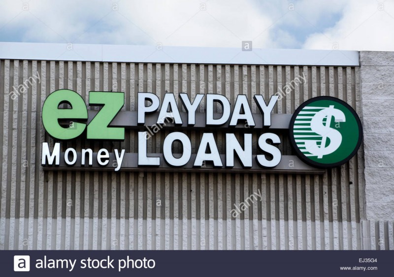 ez-money-payday-loan-store-sign-EJ35G4
