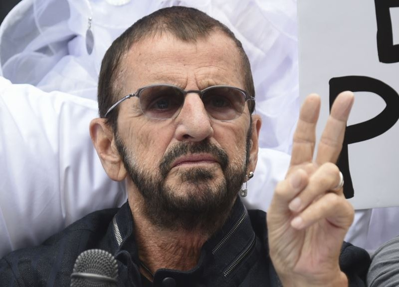 ¡Ringo! Ex Beatle actúa en el Radio City Music Hall