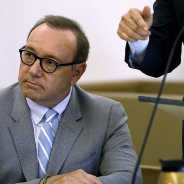 Acusador retira demanda por agresión sexual contra Kevin Spacey