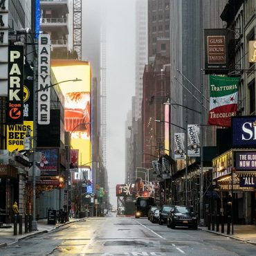 Broadway, parte del alma de Nueva York, sigue luchando por despertar